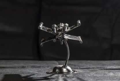 X-Wing fighter fémszobor